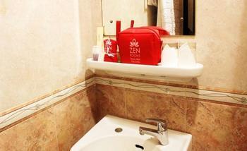 ZenRooms Mangga Besar 8 Jakarta - Double Room Regular Plan