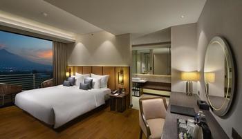 Golden Tulip Holland Resort Batu Malang - Premier King Regular Plan