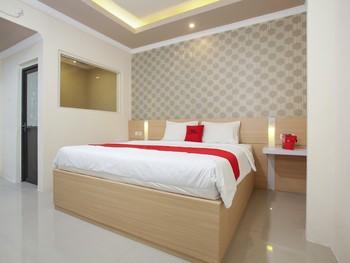 RedDoorz near Lippo Plaza Jember Jember - RedDoorz Premium Room Regular Plan