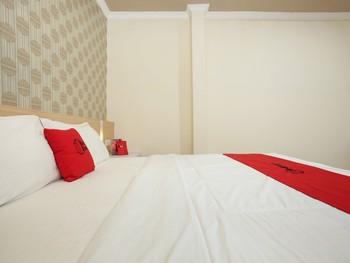 RedDoorz near Lippo Plaza Jember Jember - RedDoorz Twin Room Regular Plan