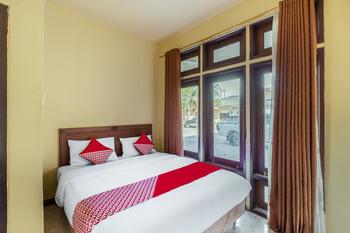 OYO 3107 Hotel Temindung Samarinda - Standard Double Room Regular Plan