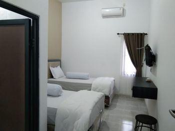 Pribadi Kostel Syariah Palembang Palembang - Twin Bed Room Only Regular Plan