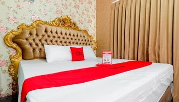 Reddoorz Plus @ Cipete Damai Jakarta - RedDoorz Premium Room with Breakfast Basic Deal