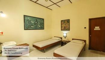 Duta Guest House Yogyakarta - Economy Fan - Private Bathroom - No TV Regular Plan