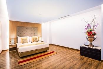Hotel Orchardz Industri Jakarta - Suite Room Regular Plan
