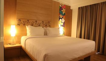 MaxOne Hotel  Seminyak - Happiness Minimum stay 2 nights