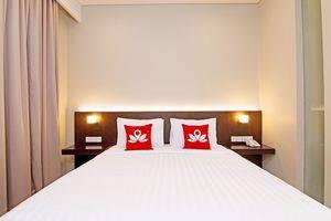 ZenRooms Jimbaran Jepun Bali - Tampak tempat tidur double