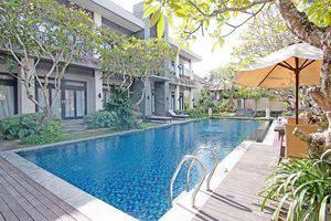 ZenRooms Jimbaran Jepun Bali - Kolam Renang