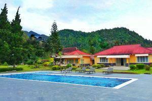 Hotel Indah Palace Tawangmangu - Kolam Renang - Tawangmangu Hotel Indah Palace