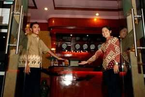 Hotel Menara Lexus Medan - Pintu Masuk