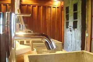 Alami Luxury Villas & Resort Bali - Bathroom