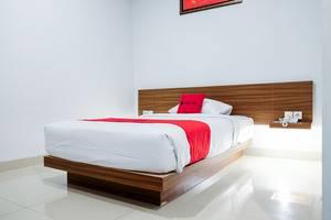 RedDoorz Plus near Pekanbaru Mall Pekanbaru - Kamar Tamu