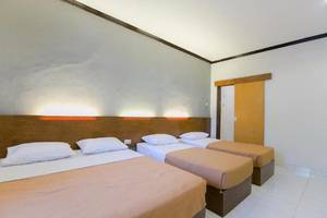 Santo Guest House Surabaya - Ruang Keluarga