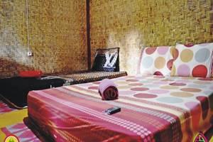 Sasak Lombok Bungalow Kuta Lombok - Kamar tamu
