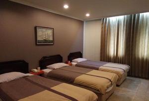 Hotel Alpine Jakarta - Family Room