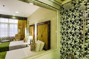 John's Pardede International Hotel Jakarta - Kamar Deluxe Twin dengan kamar mandi