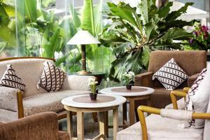 John's Pardede International Hotel Jakarta - Herna Lounge untuk bersantai anda.