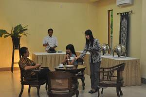Hotel Sentana Mulia Pemalang - Ruang tamu
