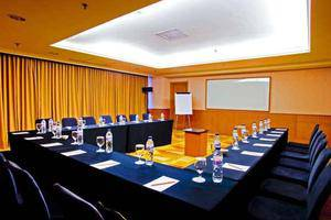 Hotel Aryaduta Makassar - Meeting Room