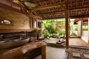 Desa Alamanis Cirebon - bathroom