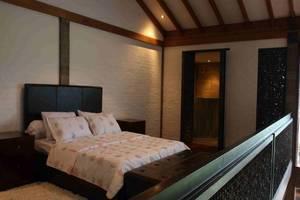Modern Rustic & Unique Omega Villa Bandung - Kamar tamu