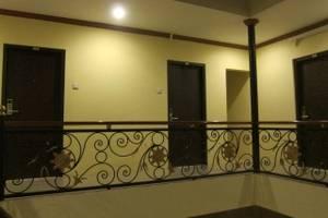 Hotel Asih  Yogyakarta - Koridor