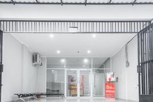 RedDoorz near Bandara City Mall Tangerang