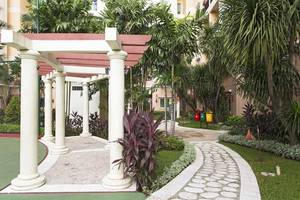 RedDoorz Apartment @MOI Gading Jakarta - Eksterior