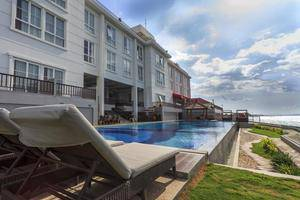 Hotel On The Rock Kupang - swimingppol