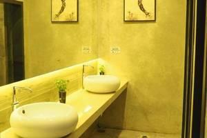 The KNO Hotel Kualanamu - Kamar mandi