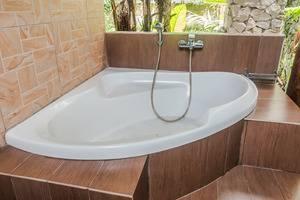 ZenRooms Ubud Penestanan Sayan - Kamar mandi