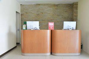 ZEN Rooms Raya Rungkut Surabaya - Recepstionist