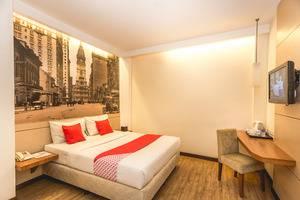 OYO 110 Feodora Hotel