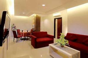 Grand Tjokro Hotel Klaten - Living Room Suite