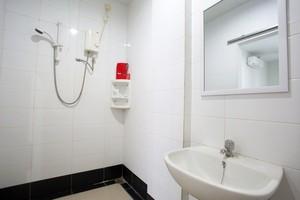 Lodaya 99 Bandung - Bathroom