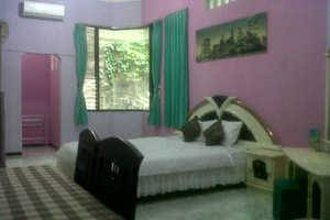 Family Guest House Malang - Room 8