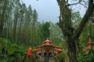 Family Guest House Malang - Kraton Gunung Kawi