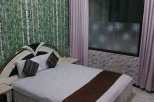 Family Guest House Malang - Room 2