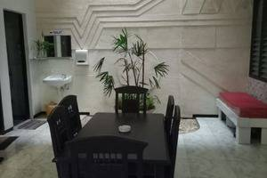 Family Guest House Malang - New