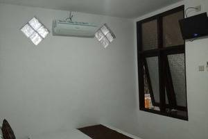 Family Guest House Malang - Room