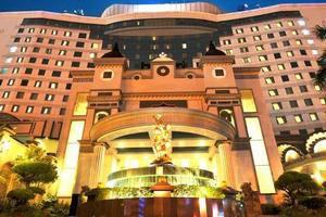 Golden Boutique Hotel Jakarta - GEDUNG HOTEL DARI DEPAN