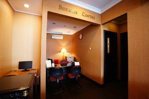 Golden Boutique Hotel Jakarta - BUSINESS CENTER