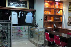 Amans Hotel Ambon - Toko Souvenir