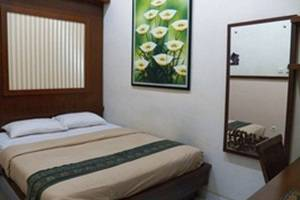 Griya Nalendra Guest House   - Deluxe Junior