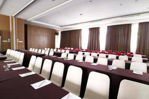 Ramedo Hotel Makassar - Meeting Room