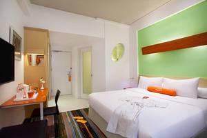 HARRIS Hotel Bandung - Kamar Tidur