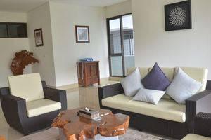 6 BR Pool Villa Dago Hill View Bandung - pic15