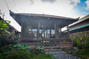 Gusti Wooden House Bali -
