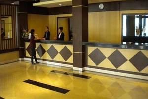 M-one Hotel Bogor - Resepsionis