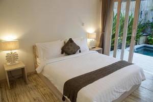 Villas Edenia Lombok - Guest room